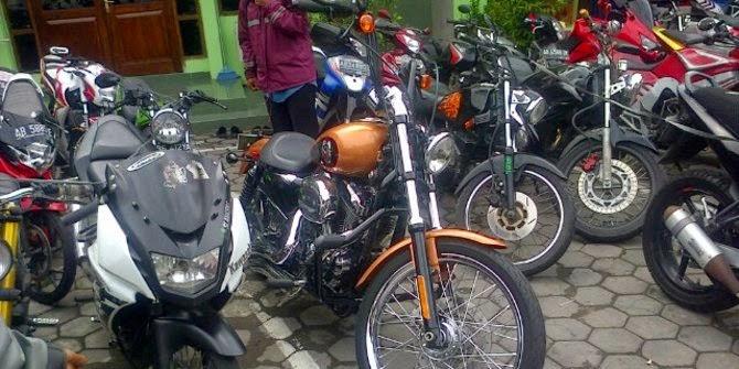 Moge Harley Davidson kena tilang Polda DIY saat Ops Zebra