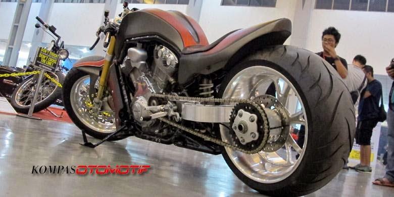 Pemenang Kustomfest 2014 modifikasi Harley-Davidson