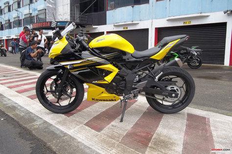 Kawasaki Mengajak Pengguna Ninja 150 2-Tax Memberikan Saran Dalam Pembuatan Ninja 250 RR Mono