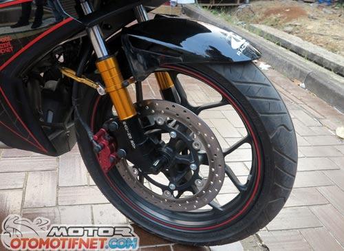 Yamaha MX King pakai velg ori R25 5