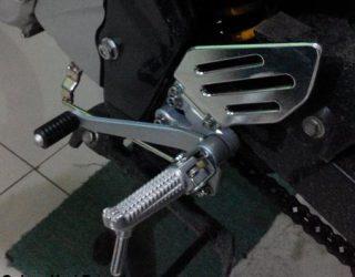 pedal gigi r15