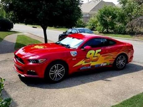 Modif Mustang Jadi Lightning McQueen 1
