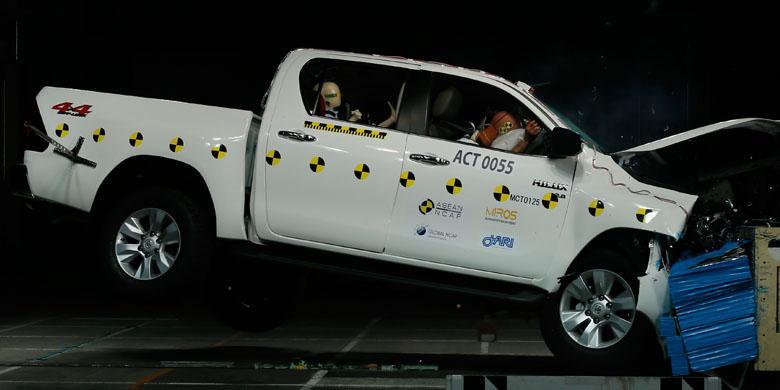 Uji Tabrak Toyota ASEAN NCAP