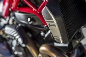 mega galeri foto new ducati monster 1200r 13