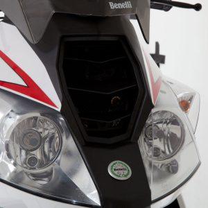 Lampu depan Benelli New Caffenero 150