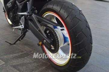 Yamaha R25 Ban 180 velg 5,5 inchi 1