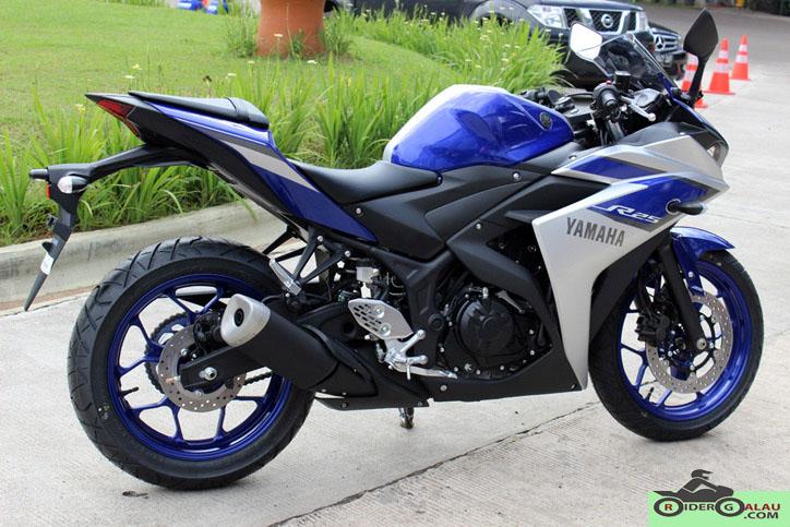 Yamaha R25 Biru Silver ABS 2