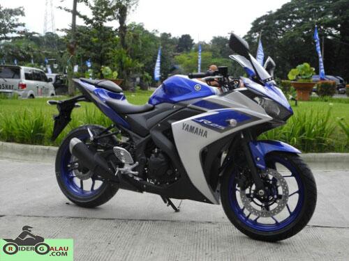 Yamaha R25 Biru Silver ABS