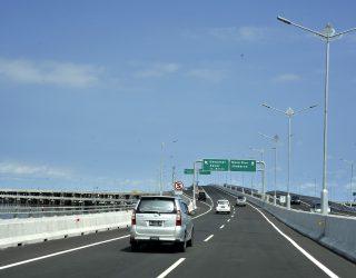 Mulai Tanggal 1 Bulan Ini Tarif Jalan Tol Mengalami Kenaikan Harga