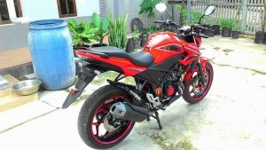 Penampakan Honda All New CB150R Pakai Velg Lebar Axio 3-4,5 Inchi dan Arm RD Racing