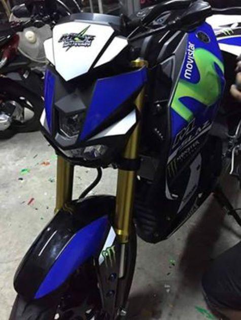Yamaha MT 15 atau M Slaz Modif Warna Livery Movistar