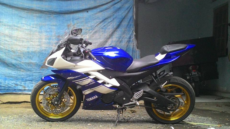 Yamaha R15 pake velg axio 3-4,5 inchi