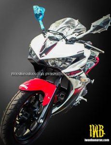 Yamaha R25 Striping dan pilihan warna putih merah terbaru 2016 2
