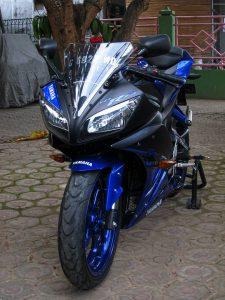 Yamaha r15 R6 3
