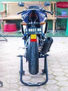 Yamaha r15 R6 4
