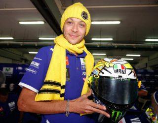 Desain Helm Baru Valentino Rossi Saat Tes Pramusim MotoGP 2016 di Sirkuit Sepang