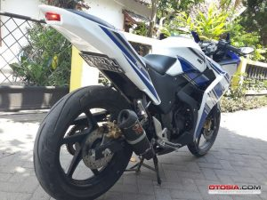 Modifikasi Honda All New CB150R Full Fairing ala Yamaha r25 2