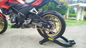 Modifikasi Honda All New CB150R Kaki tapak lebar 2