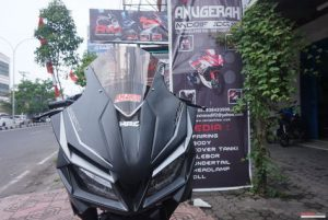 Modifikasi Honda All New CB150R Pakai Fairing CBR250RR 3