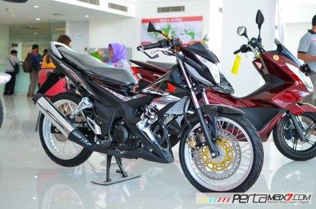 Modifikasi Honda Sonic150R pakai velg jari-jari