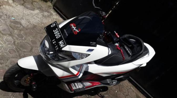 7 Galeri Foto Modifikasi Honda PCX 150  Ridergalau