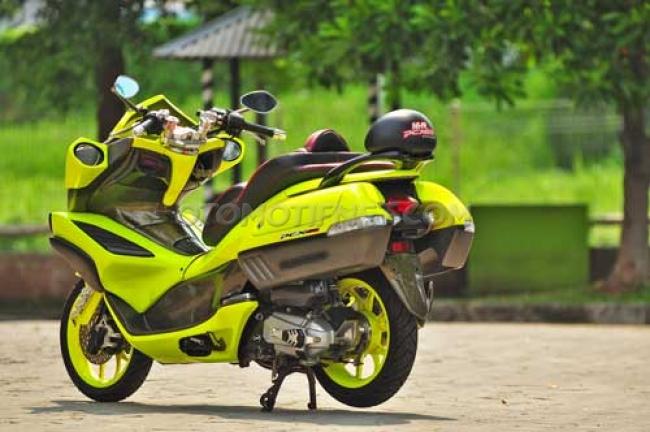 Modifikasi Honda PCX 150 Maskotnya Bos Aksesori 1
