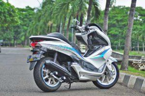 Modifikasi Honda PCX 150 Simpel Minimalis 3