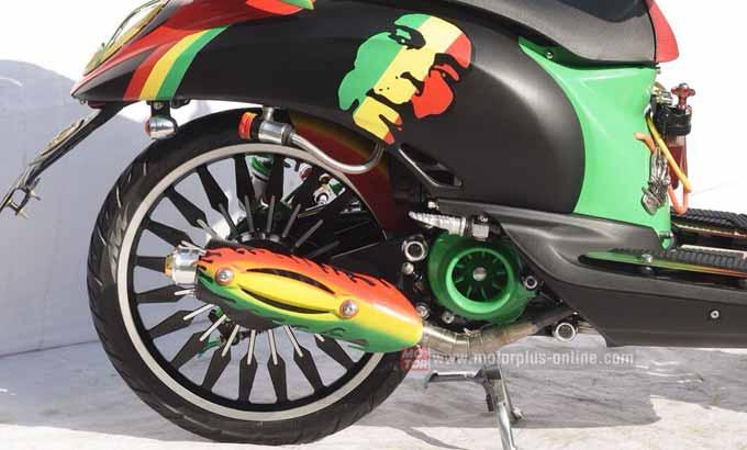 Modifikasi Honda Scoopy Air Brush Bob Marley 2