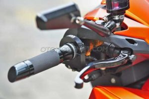 Modifikasi Honda Vario 150 ESP Matte Orange Bergaya 1