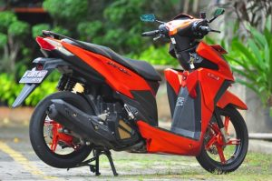 Modifikasi Honda Vario 150 ESP Matte Orange Bergaya 5