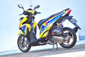 Modifikasi Honda Vario 150 ESP livery Red Bull 4