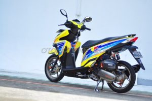 Modifikasi Honda Vario 150 ESP livery Red Bull 6
