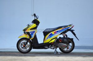 Modifikasi Honda Vario 150 ESP livery Red Bull 7