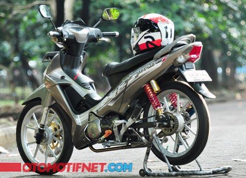 2 Modifikasi Honda Supra X 125 Futuristik